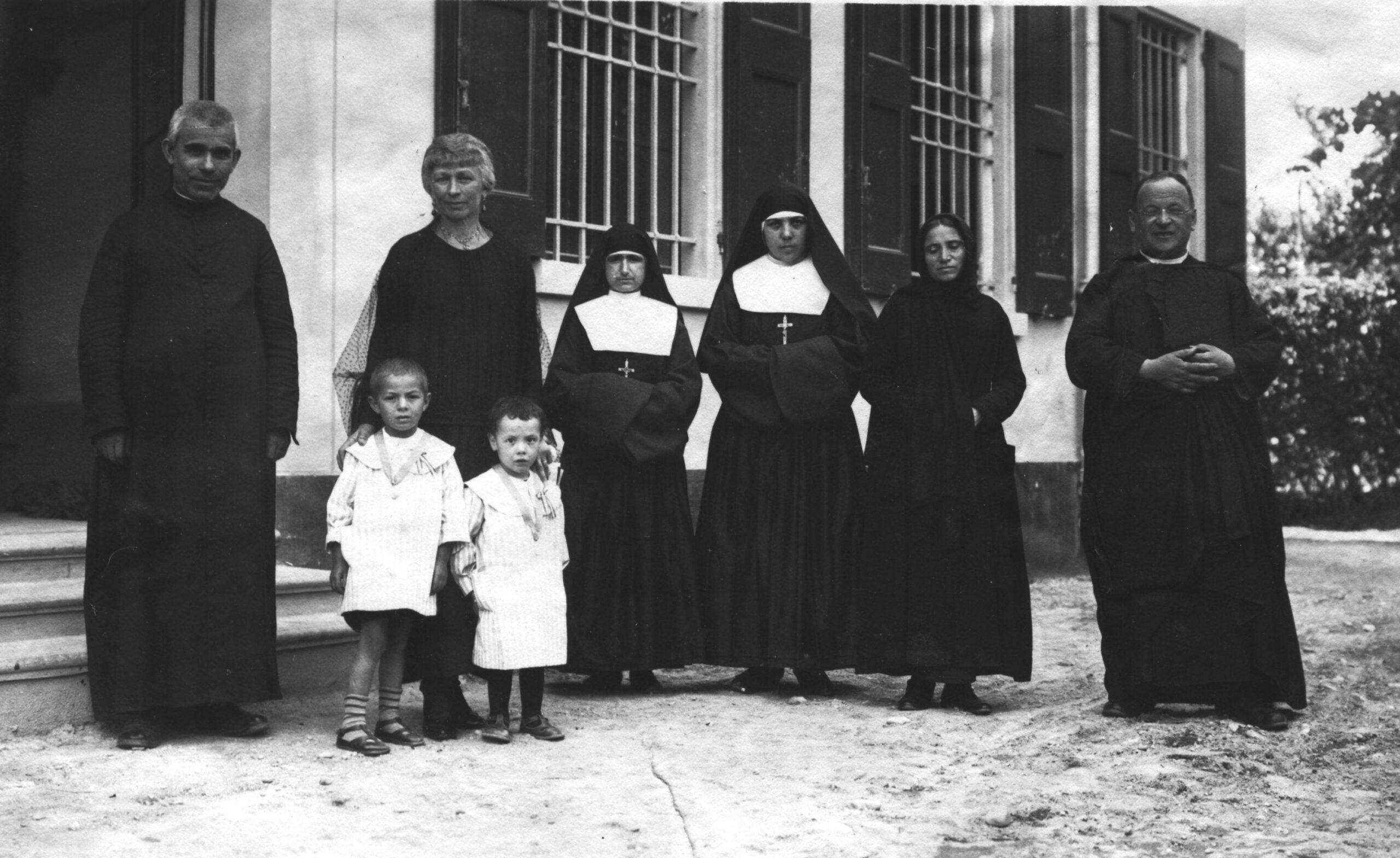 """""""Pequeñas Hermanas, Grandes Misioneras"""""""